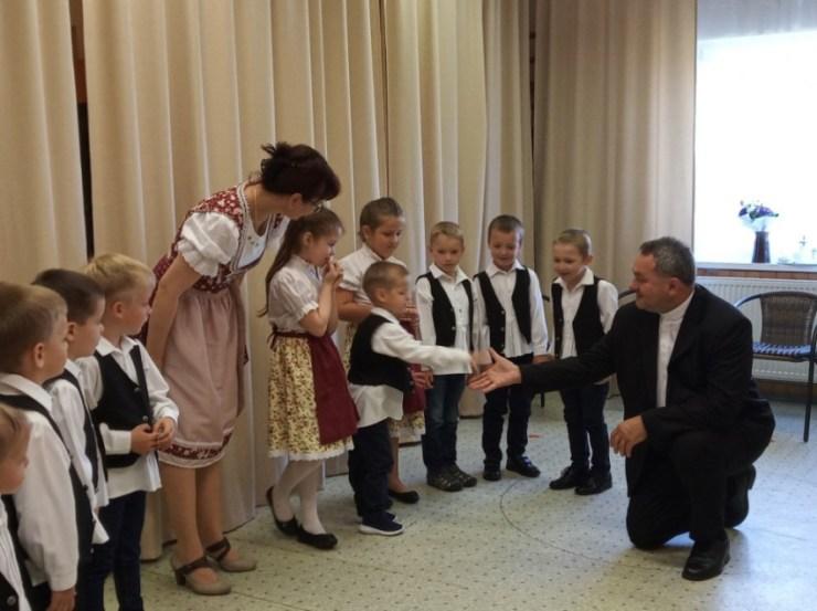 Püspöki látogatás a dombóvári katolikus óvodában