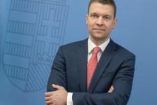 Menczer: már hat ország fogadja el a magyar védettségi igazolványt