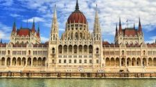 Megkezdi őszi ülésszakát a parlament