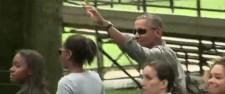 Obama és lányainak sétája egy világot döbbentett meg