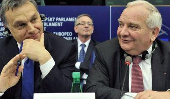 Kiosztotta az összeborulást az Európai Néppárt elnöke