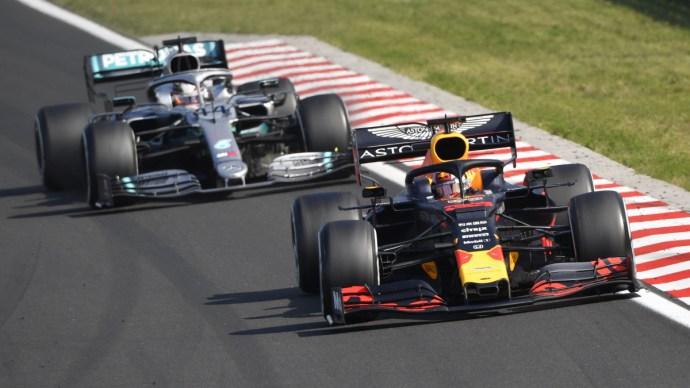 A gumi, az eső és Verstappen Lewis Hamilton legújabb kihívói – szakértő
