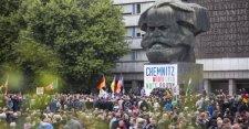 A chemnitzi tüntetéseken 18 ember sérült meg, vasárnap is tartanak megmozdulásokat