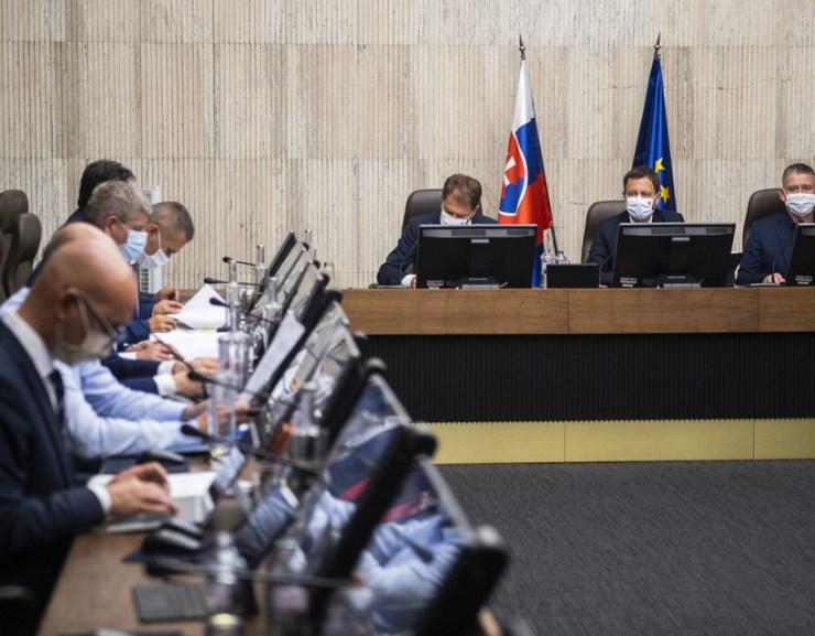A kormány végül rábólintott Igor Matovič pénzügyminiszter első költségvetésére