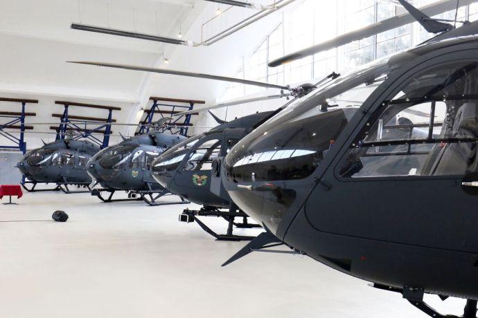 Átadták az első négy Airbus-helikoptert – az államtitkár máris a térség legütőképesebb hadseregéről beszélt