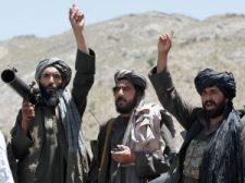 Két afganisztáni katonai bázist foglaltak el a tálibok