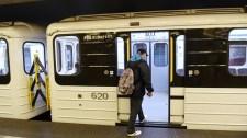 Legkevesebb egy hónapig tart az M3-as metró szerelvényeinek javítása