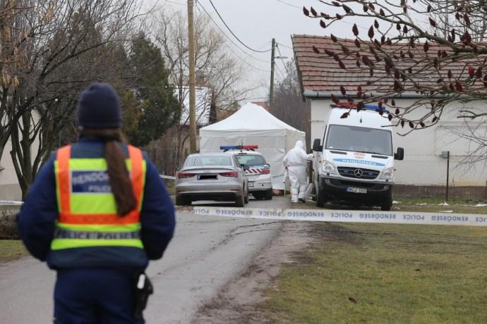 Gyilkosság Rákóczifalván: legalább négy napja halottak lehettek a rokkantnyugdíjasok