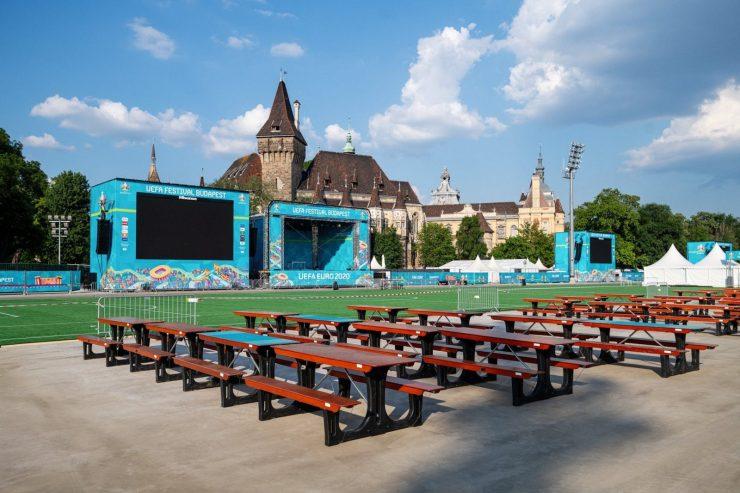 Megnyitotta kapuit a foci-Eb szurkolói zónája Budapesten