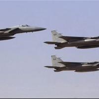 Jemen: Szaúdi vadászgépek tiltott bombákkal szórták meg Sa'ada városát