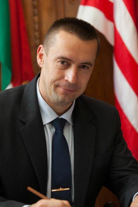 Az Országgyűlés jobbikos alelnöke a MÁV késéseiről érdeklődött – a miniszter szerint a szolgáltatás színvonala folyamatosan javul
