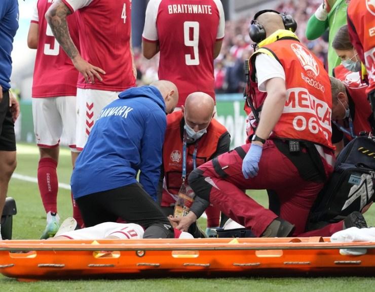 EURO-2020 – Eriksen üzent a kórházból