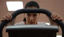 A síakrobatika egyik orosz indulója, Komisszarova eltörte a gerincét