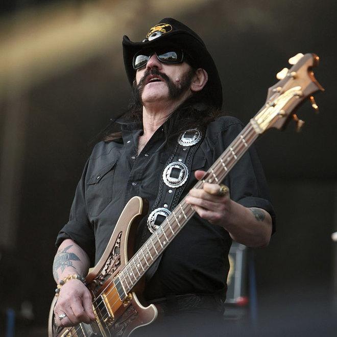 Meghalt Lemmy, a Motörhead legendás frontembere – VIDEÓ