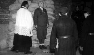 Nemcsak Bárdossy, hanem az őt utolsó útjára kísérő pap kivégzését is követelték