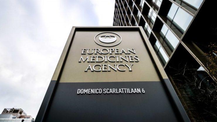 EMA: az engedélyezett oltóanyagok védelmet nyújtanak a koronavírus domináns törzseivel szemben