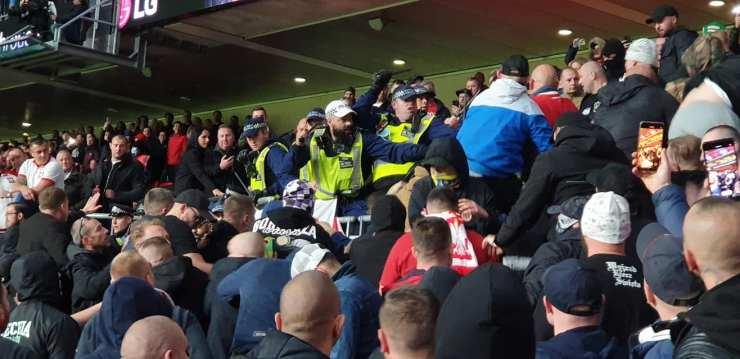 A FIFA már vizsgálja az angol–magyaron történteket – képek, videók