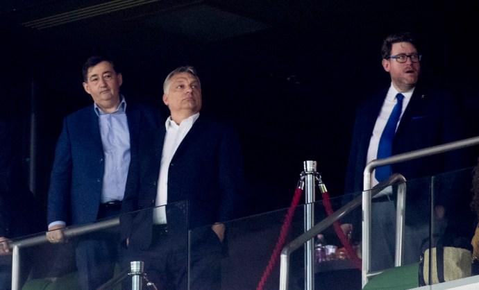 Orbán Viktor a VIP-ben, görögtűz a lelátón – így veszített a Felcsút, így nyert az Újpest