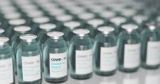 Biden új oltóközpontok létrehozását, a vakcináció felgyorsítását tervezi