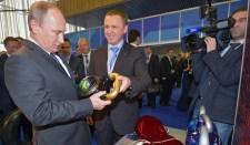 Putyin arra szólított fel, hogy az oroszországi hazafias hangulatot fordítsák az ország fejlesztésére