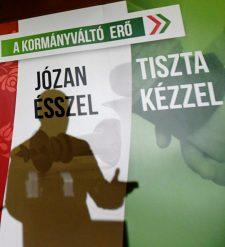 Nagyon gatya a helyzet a Jobbik pártalapítványánál is: nem szabályosan tapsolták el a 266 milliót