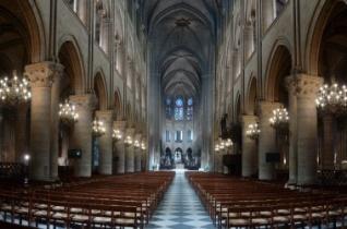 A párizsi Notre Dame-székesegyház új belső fényei – KÉPRIPORT