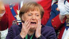 Merkelnek szégyenkeznie kellett vendégei szörnyű antiszemitizmusa miatt