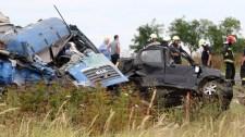 Szörnyű roncsok maradtak a 4-es úti halálos baleset után