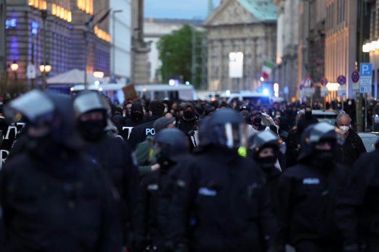 Közel száz rendőr sérült meg Berlinben a palesztin szimpátiatüntetéseken
