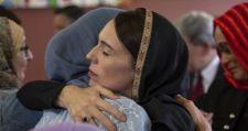A muszlimölelgető új-zélandi miniszterelnök asszony a Twitteren kapott egy kis kedveskedést