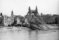 Újabb 20 szívszorító fotó a lerombolt Budapestről