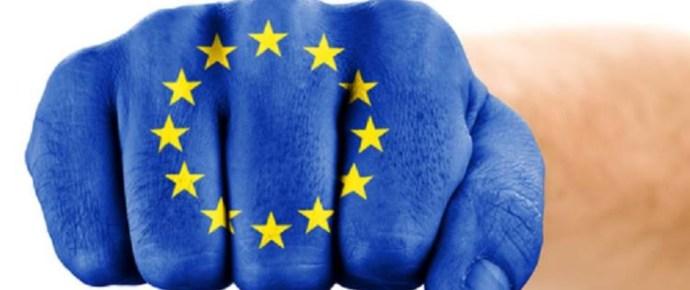 Meglendült az EU ökle a lengyelek felé