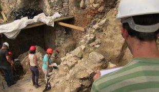 Eddig ismeretlen Árpád-kori leleteket találtak