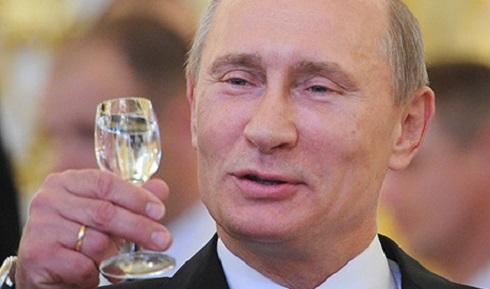 Vlagyimir Putyin újévi üdvözletet küldött Orbán Viktornak