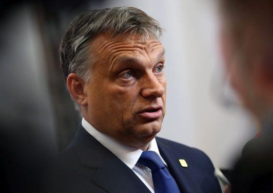 Kétségbeesetten küzd a bukás ellen a Fidesz