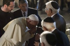 A pápa már a hitlerezésig is eljutott a zsidók, buzik és cigányok védelmében
