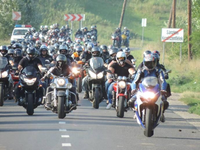Hétszáz motoros emlékezett a kézdiszentléleki cigány lincselés helyszínén