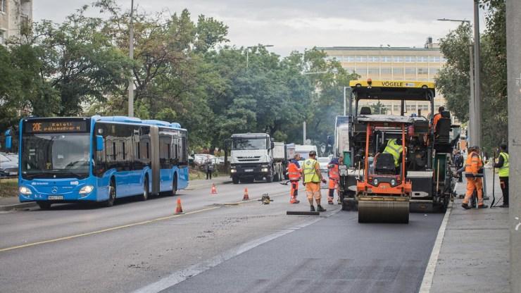 A tervezettnél kevesebbe kerül egy fővárosi útfelújítás