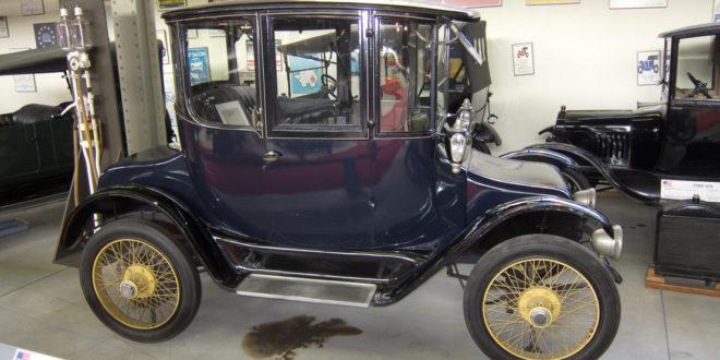 100 éve ilyen elektromos autóval járt Henry Ford felesége