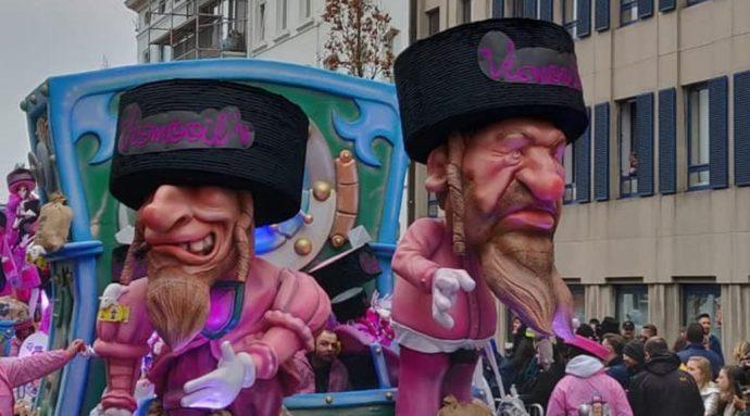 Jó kis karnevál Belgiumban: patkányokkal és pénzeszsákokkal ábrázolták a zsidókat a felvonulók