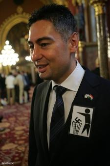 Nem a Jobbik gyújtotta fel a tévészékházat – elítélték az izraeli kitűzős Horváth Csabát