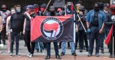 Brutális pénzbüntetést szabtak ki az Antifa két tagjára