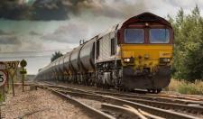 Elképesztő: a vonat által halálra gázolt férfi maradványainak egy részét egyszerűen ott felejtették a síneken