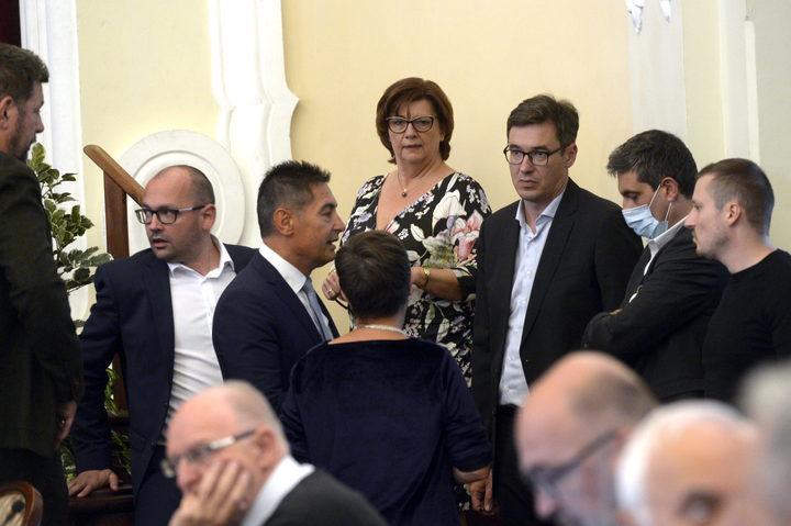 Káosz az ellenzék soraiban
