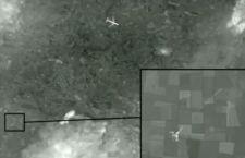 Egy műholdfelvétel szerint egy vadászgépről lőtték le az Ukrajnában lezuhant maláj utasszállítót