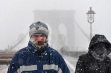 Extrém időjárás tombol New Yorkban. A közlekedés összeomlott, az iskolákat pedig sorra zárják be