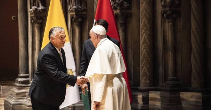 """""""Áradt a Szentlélek"""" – Orbán Viktor szerint Ferenc pápa keményebben fogalmazott, mint ő"""