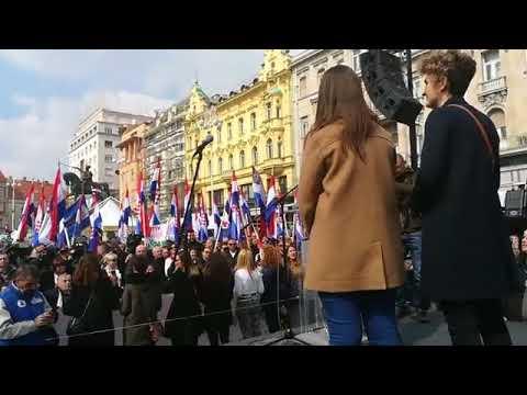 Még a Balkánon is megelőznek minket: ezrek tüntettek az Isztambuli Egyezmény ellen