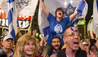 Hatalmas tömeg követelte Netanjahu távozását