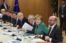 Jól jöhet a Fidesznek, ha erővel nyomják le a kvótákat a V4-ek torkán
